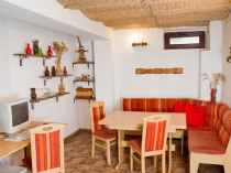 kitchen_friens_hostel_bucharest_romania_0