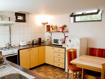 kitchen_friens_hostel_bucharest_romania_3