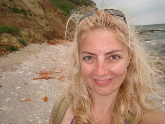 happy-at-the-black-sea